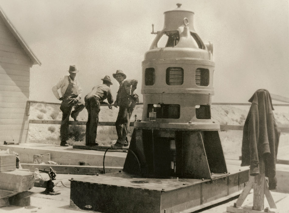 historical-pump-circa-1940's